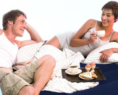 Bett camping matratze luftmatratze g stebett doppelbett for Doppelbett platzsparend