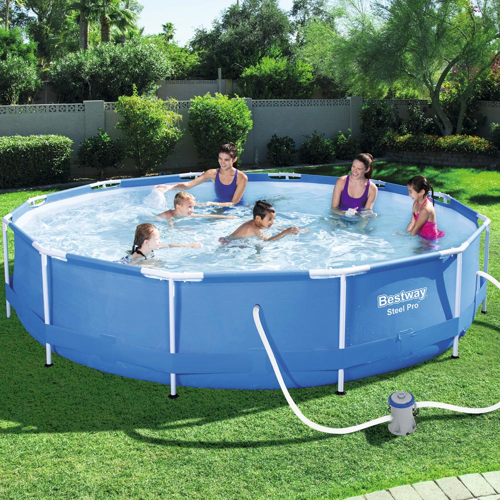 Piscine steel pro frame pool bestway avec pompe et for Piscine hors sol bestway